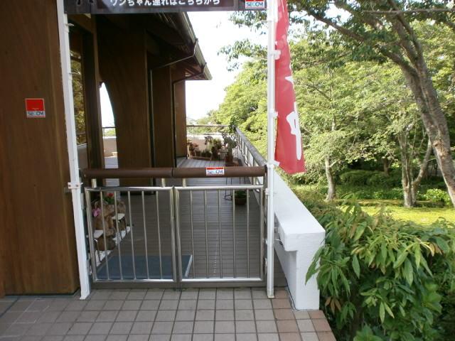 岩本山公園内 レストラン 各所塗装作業 その2